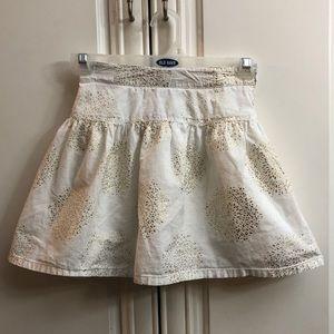 🌟2/$20 GAP white/gold lined skirt